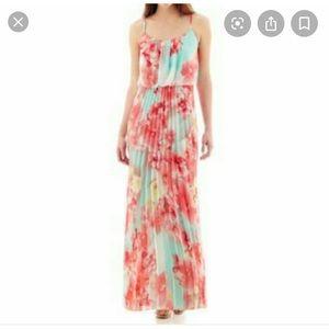Bisou bisou floral maxi dress